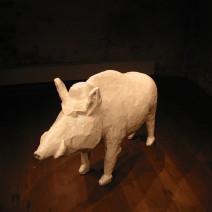 skulptur vildsvin